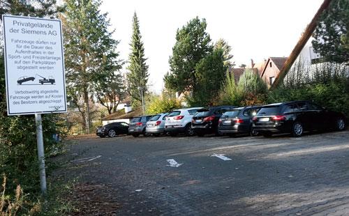 Parkplatz Komotauerstr - hier sollen Wohnungen für anerkannte Flüchtlinge entstehen