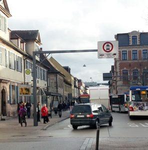 Bahnhof - Goethestr.: alle fahren durch