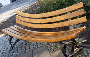 Sitzbank am Rathaus Erlangen