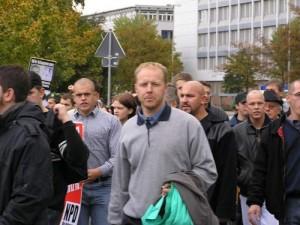 NPD-AnhängerInnen in Erlangen am 2.10.04
